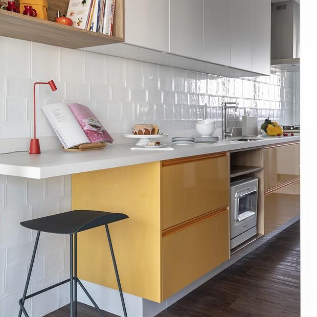 O apartamento alegre de uma mulher que ama cores  (Foto: FOTOS EVELYN MULLER )
