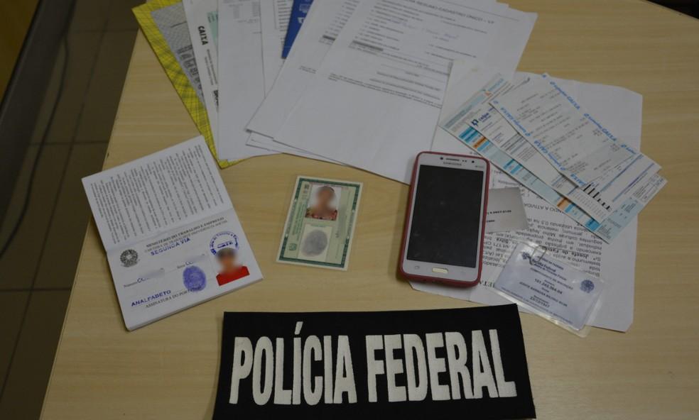 Idosa apresentou documentos falsos para tentar reativar benefício em agência do INSS de Escada, na Zona da Mata de Pernambuco — Foto: Polícia Federal/Divulgação