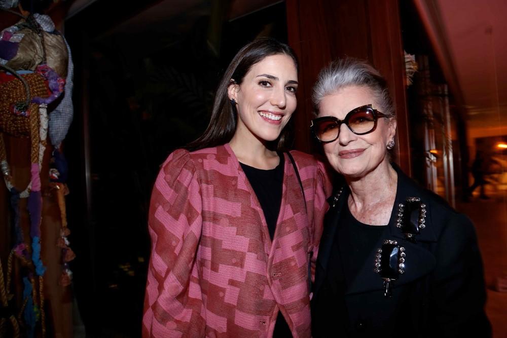 Lilly Sarti e Costanza Pascolato no jantar do STB com a Belas Artes e o Istituto Marangoni (Foto: Divulgação)