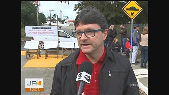 Moradores protestam contra alto fluxo de veículos em rodovia de Maracajá