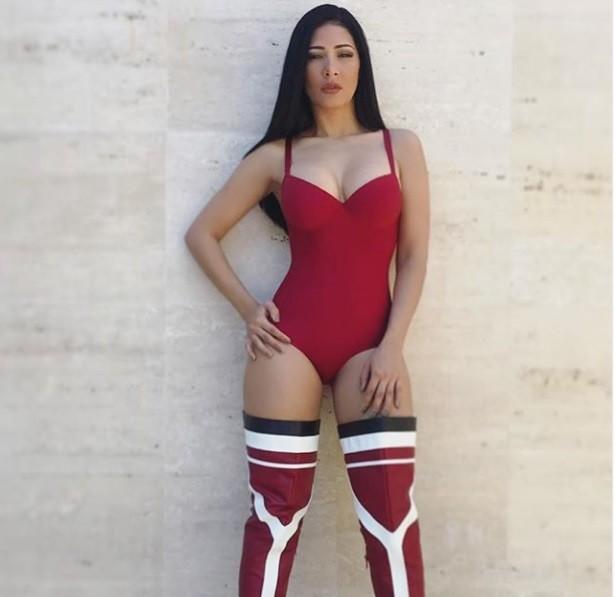 Hot Simone