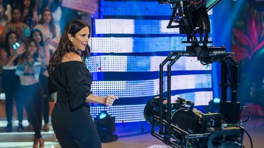 Grávida, Ivete Sangalo mantém o pique para dançar: 'Estou com suingue. Ninguém me segura'