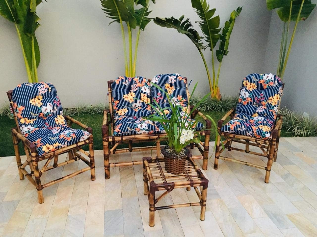 Jogo de cadeiras com mesinha de bambu (Foto: Reprodução/Amazon)