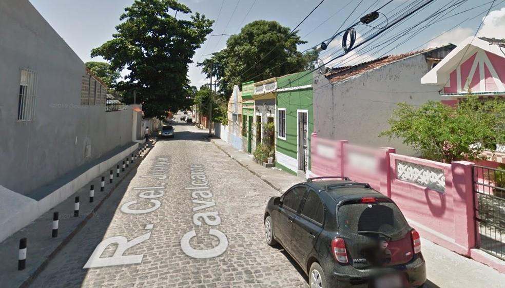 Rua Coronel Joaquim Cavalcanti fica em Olinda  — Foto: Reprodução Google Street View