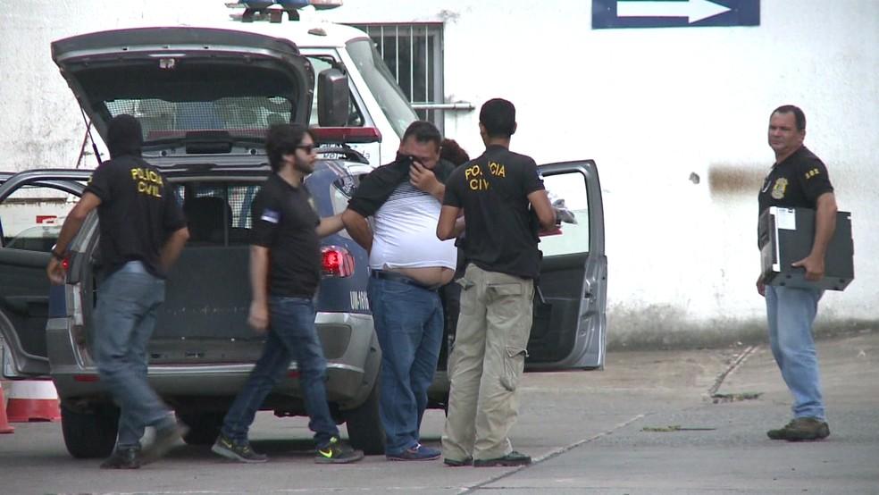 Em novembro de 2016, Tota Barreto foi preso preventivamente durante a operação Caça Fantasmas  — Foto: Reprodução/TV Globo