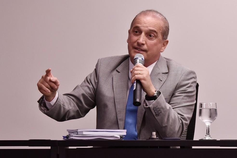 Onyx Lorenzoni durante entrevista à imprensa nesta segunda-feira (3) em Brasília — Foto: Rafael Carvalho/Governo de transição