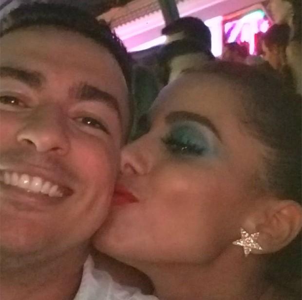 Anitta e o irmão, Renan Machado (Foto: Reprodução/Instagram)