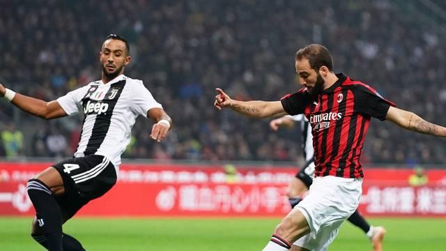 Higuaín perdeu pênalti e foi expulso na partida contra a Juventus
