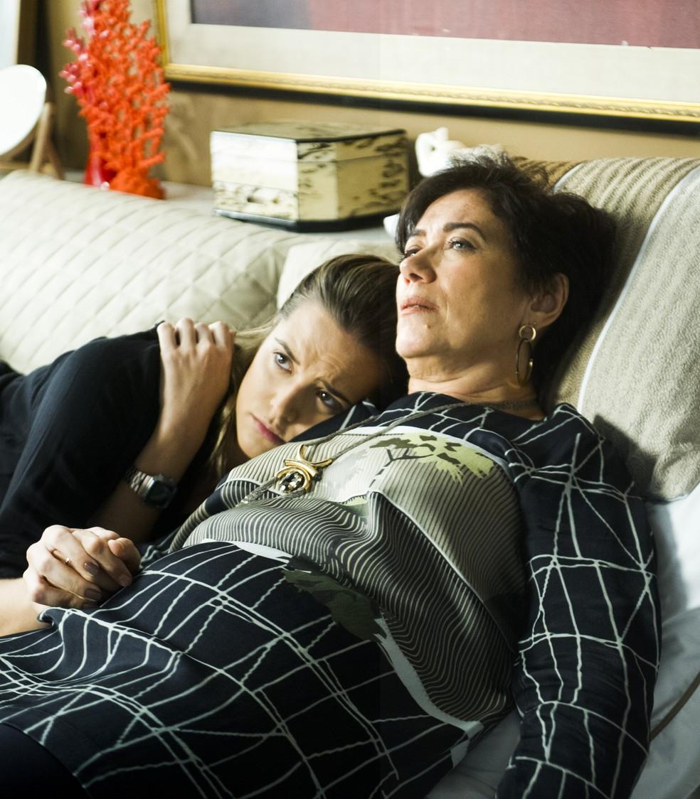 Juliana Paiva foi filha de Lília Cabral em 'A Força do Querer' — Foto: Globo