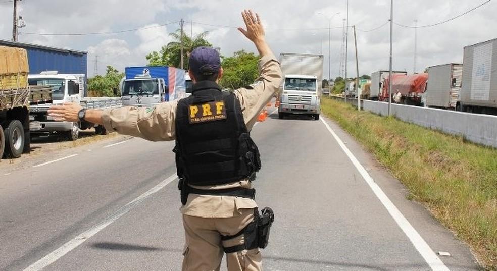 Operação Balneário registrou menos mortes em rodovias do estado (Foto: Genésio Vieira/Divulgação PRF)