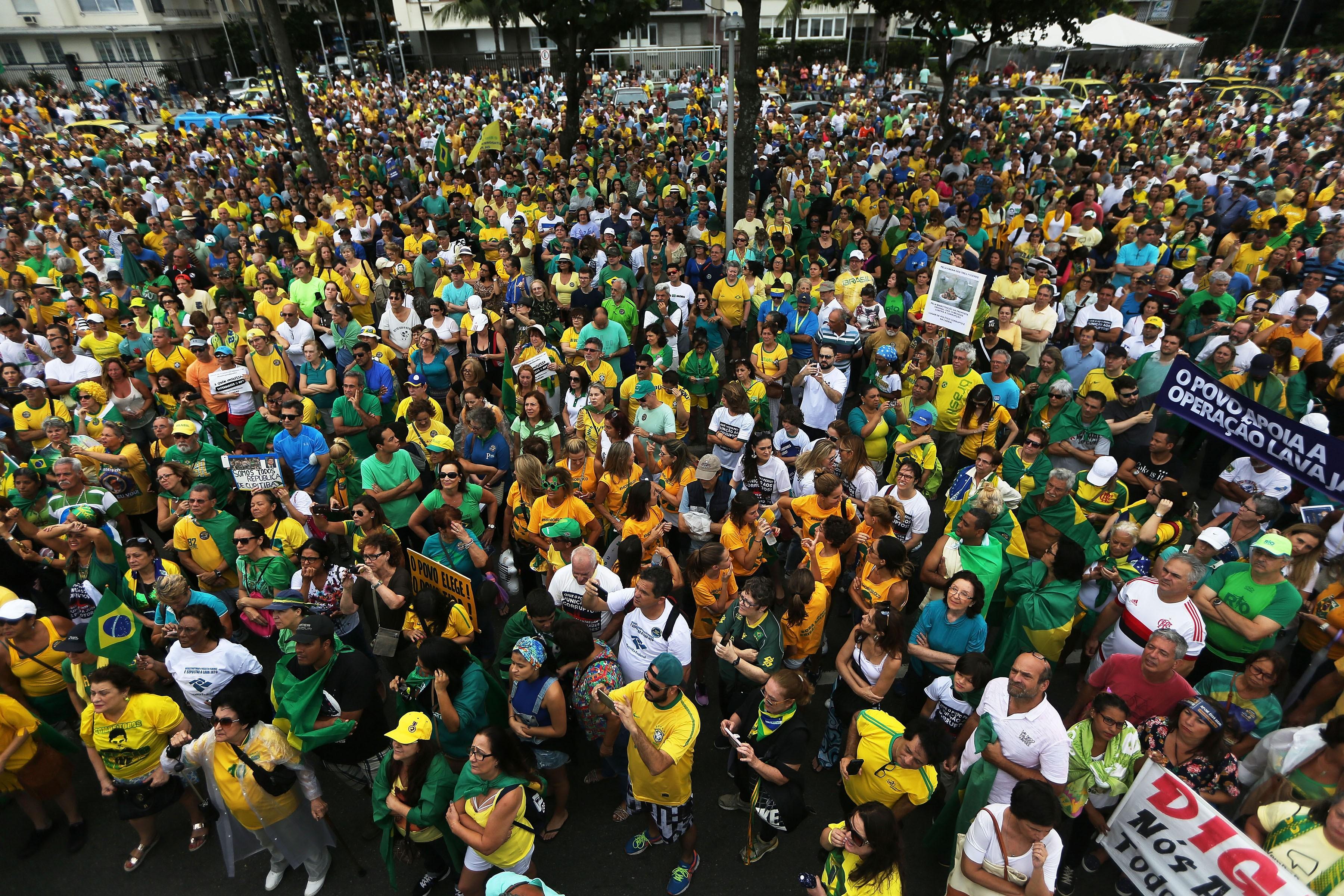 """""""Fui manisfestação e lá não aconteceu nada. Ele estava de amarelo, tem as características, mas eu quero que seja um caso isolado"""", diz Ana (Foto: Getty Images)"""