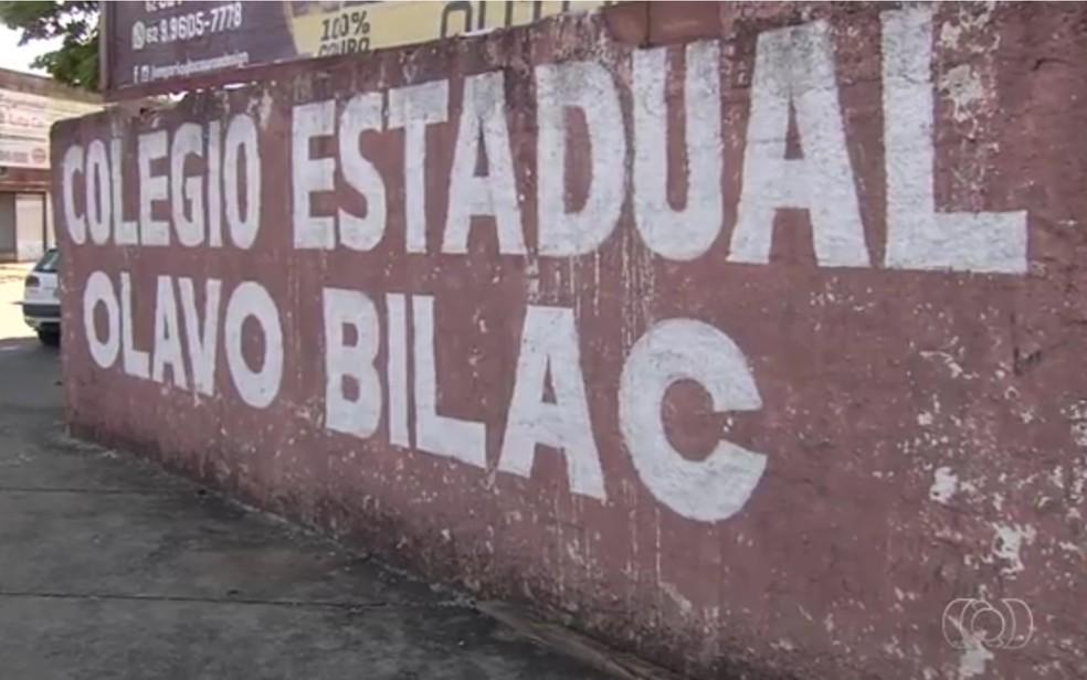 Colégio Estadual Olavo Bilac fica no Setor Aeroviário, em Goiânia (Foto: TV Anhanguera/Reprodução)