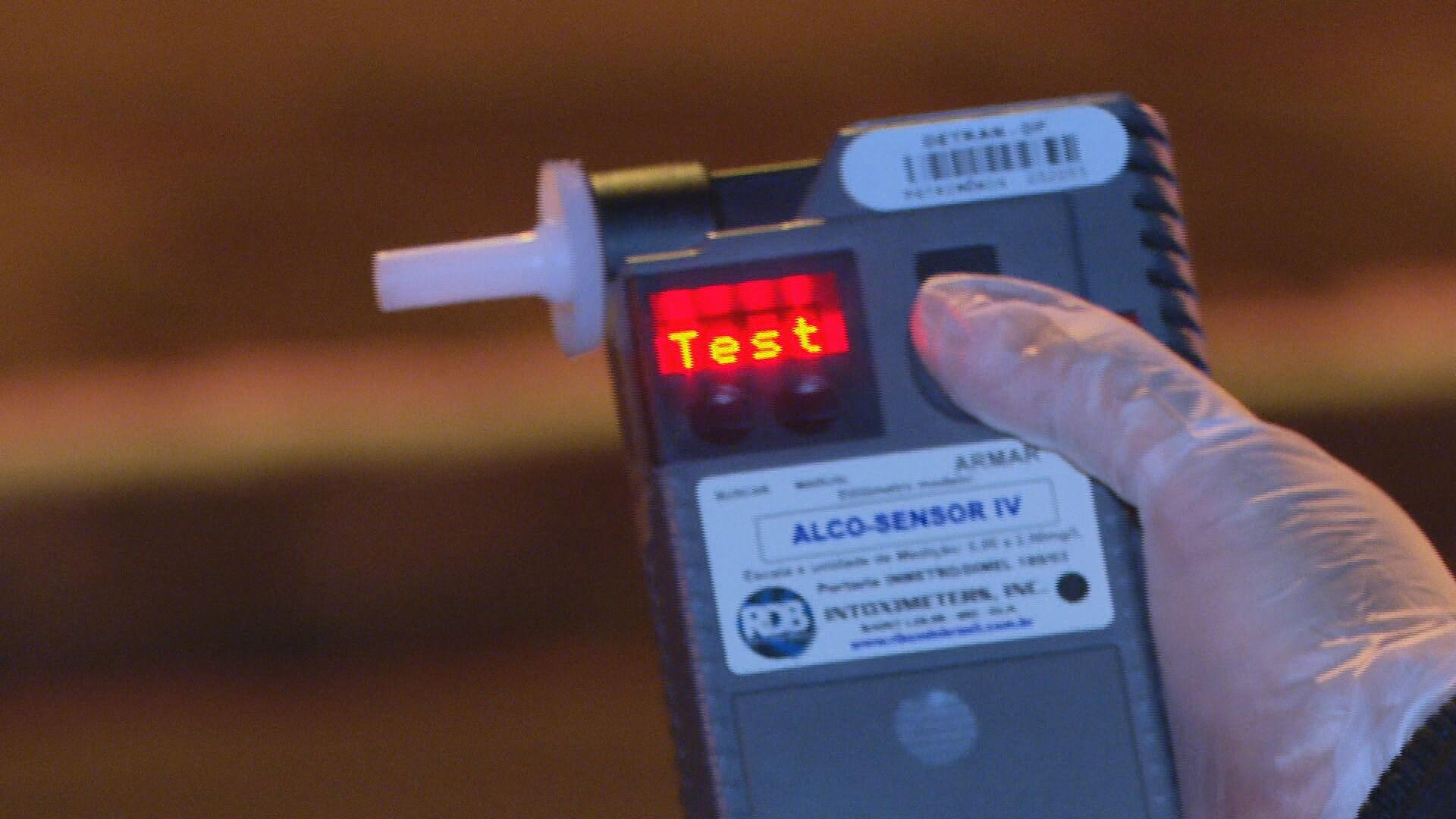 Quatro motoristas são autuados por embriaguez ao volante durante operação de trânsito em Cascavel, diz PM