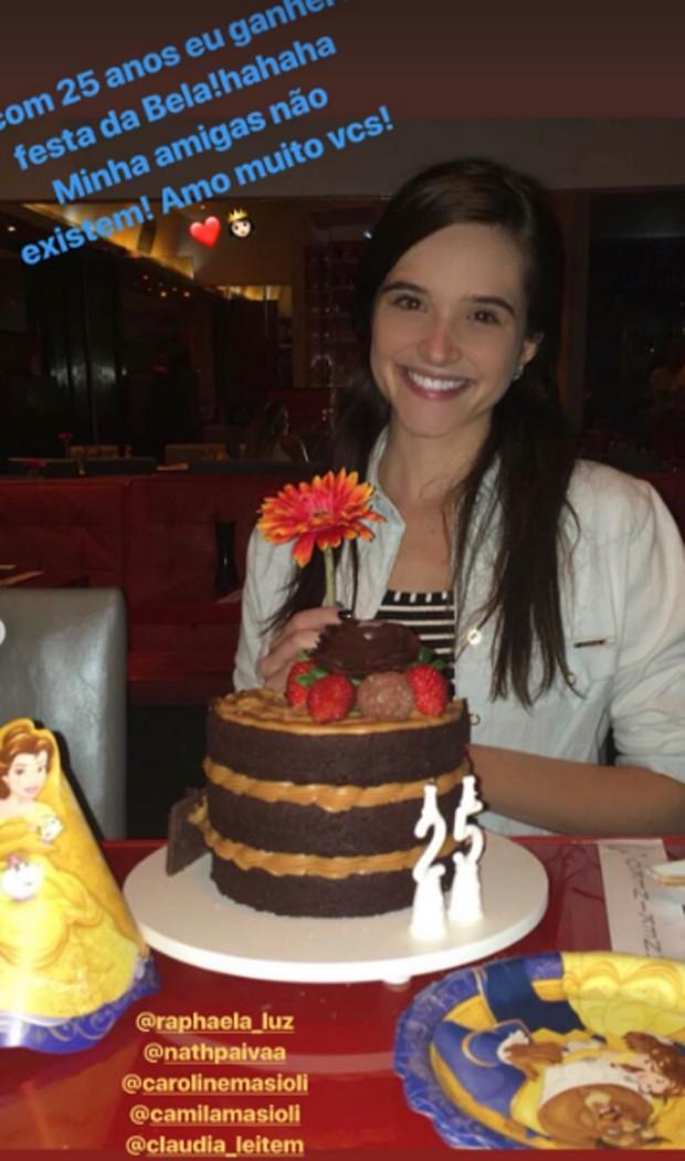 Juliana Paiva ganhou festa com a princesa Bela como tema (Foto: Reprodução/Instagram)