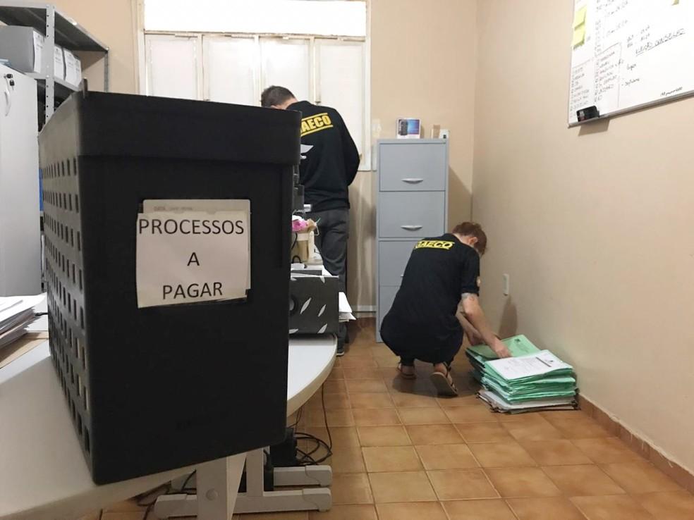 Foram cumpridos mandados de prisão e de busca e apreensão nas cidades de Natal, Parnamirim, Umarizal, Felipe Guerra e Caiçara do Rio do Vento — Foto: MPRN