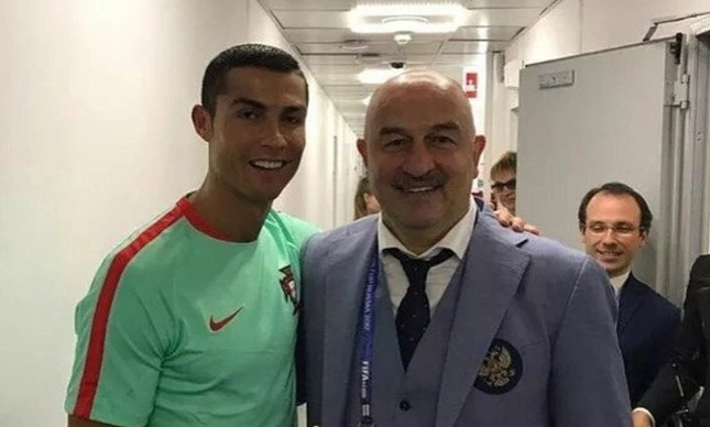 Cristiano Ronaldo e o técnico da Rússia, Stanislav Cherchesov