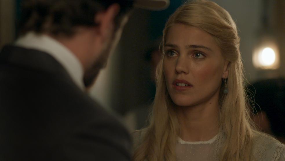 Jane também fica decepcionada com o ocorrido (Foto: TV Globo)
