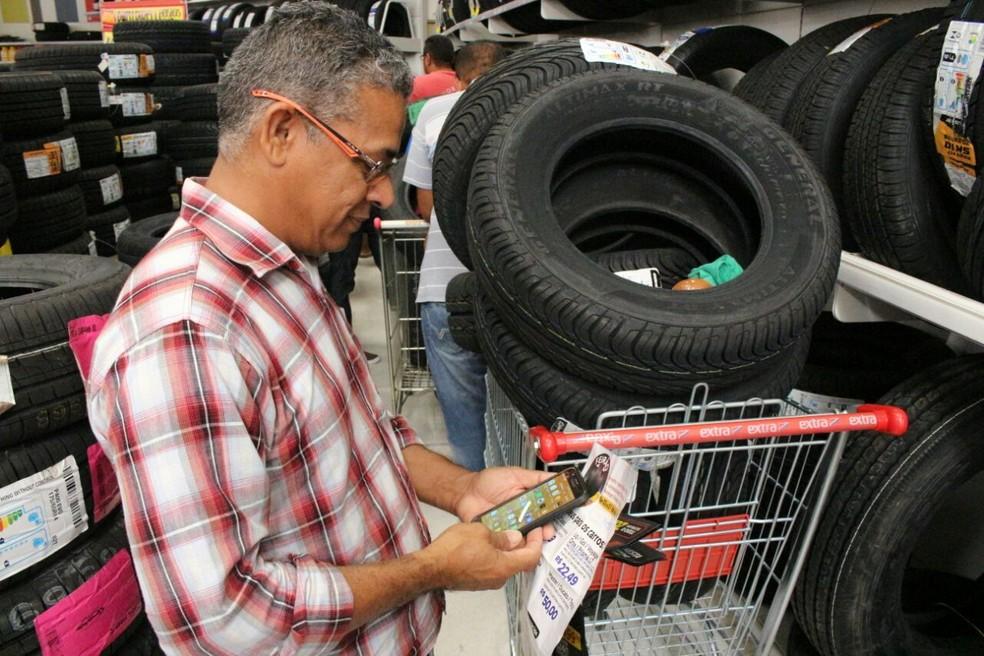 Consumidores fizeram pesquisas por conta própria (Foto: Junior Feitosa/G1)