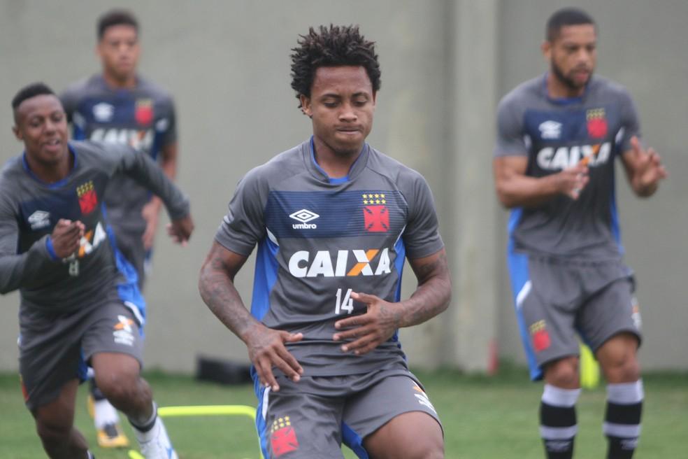 Paulo Vitor durante treino do Vasco nesta quinta-feira (Foto: Paulo Fernandes / Vasco)
