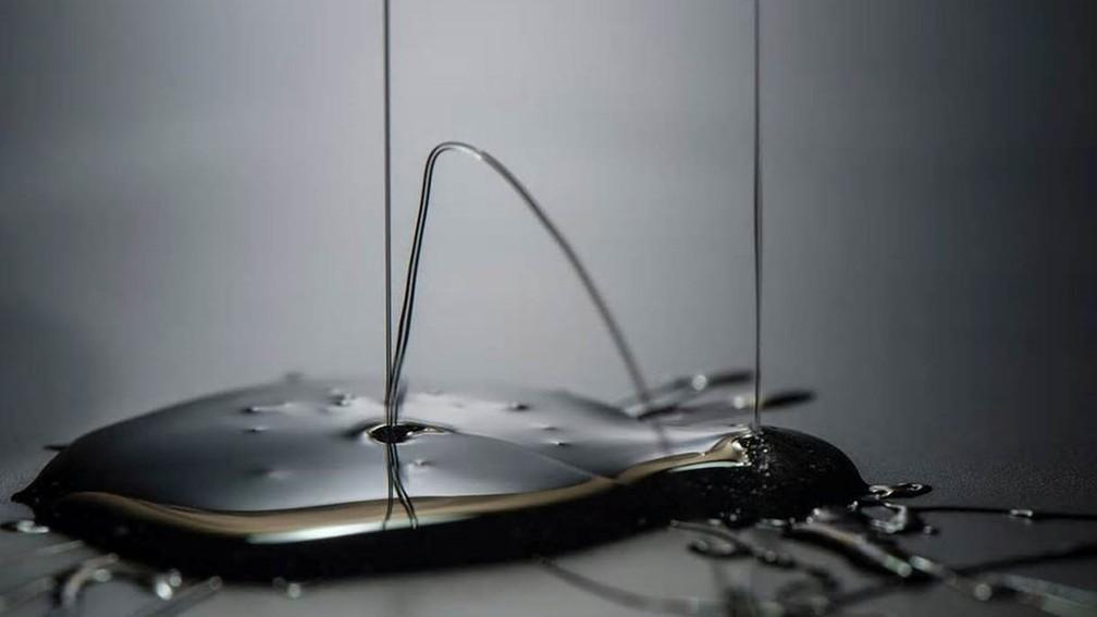 Quanto mais viscoso um líquido, mais devagar este se movimenta. É o que acontece com o shampoo desta foto (Foto: JUNGWOOK KIM/Royal Photographic Society)