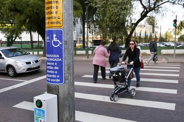 Tempo de semáforo para travessia de pedestre deve aumentar em 20% em São Paulo (Foto: Cesar Brustolin/SMCS)