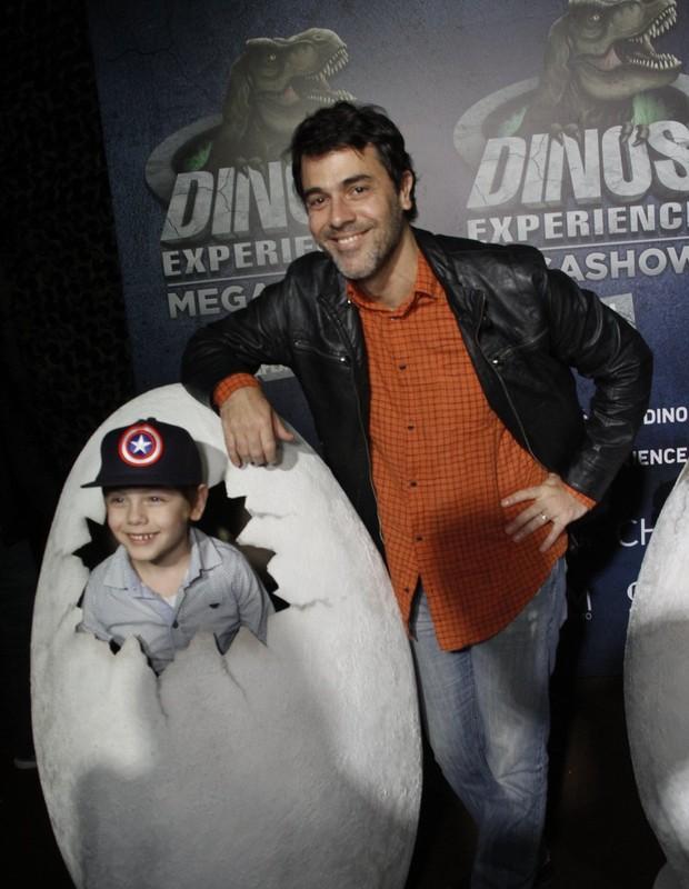 Claudio Lins com o filho, Mariano (Foto: Brazil news / Marcos Fereira)