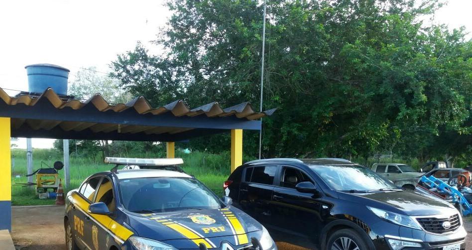 Em Rio Branco, homem é abordado por dupla ao chegar em casa e levado como refém em carro