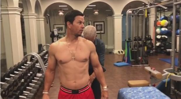 Mark Wahlberg compartilha rotina para manter corpo em dia (Foto: Reprodução/Instagram)