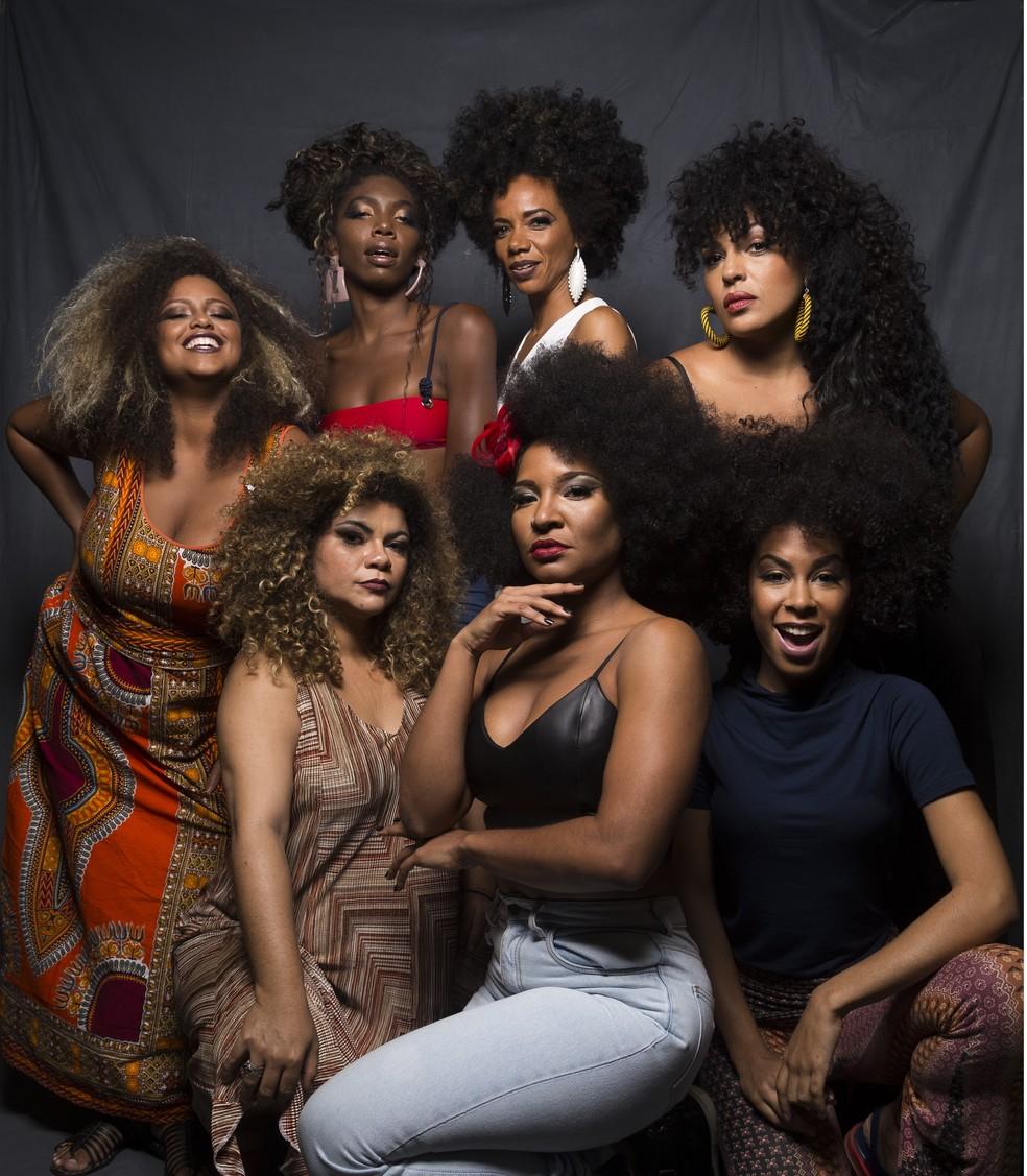 Elenco feminino do musical 'Elza', em cartaz no Rio de Janeiro (Foto: Divulgação / Leo Aversa)
