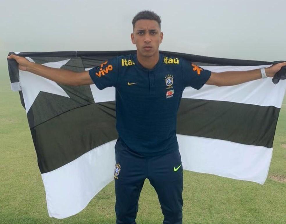 Kauê quando convocado para a Seleção — Foto: Fabio de Paula/Botafogo