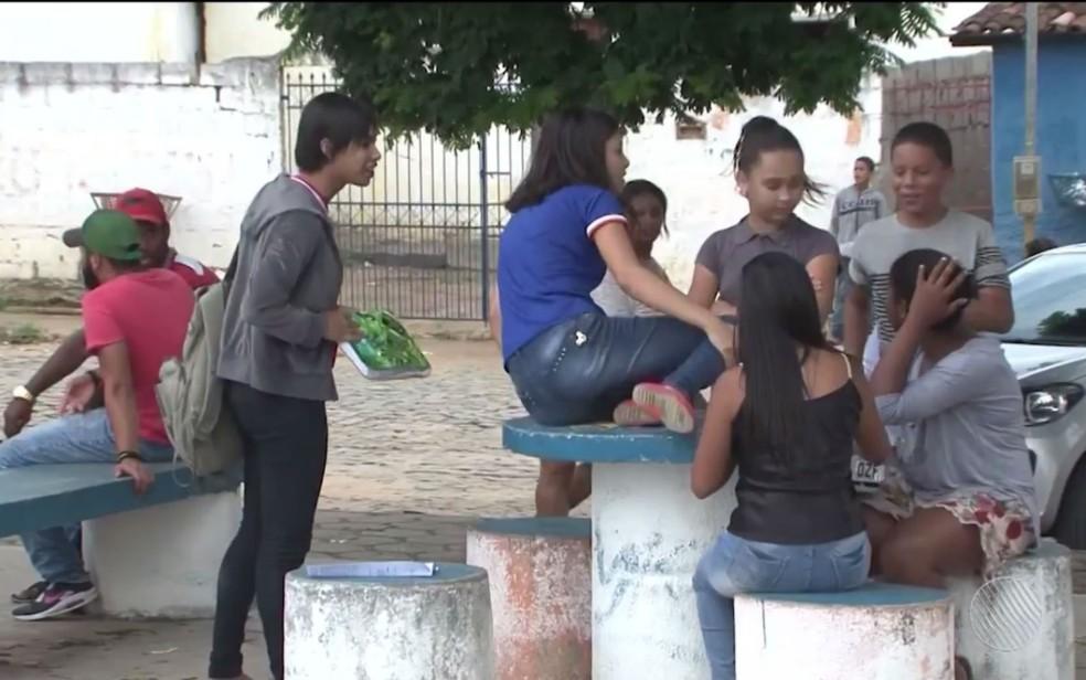 Estudantes ainda não concluíram ano letivo de 2017 em Barra do Choça, no sudoeste da Bahia (Foto: Reprodução/TV Sudoeste)