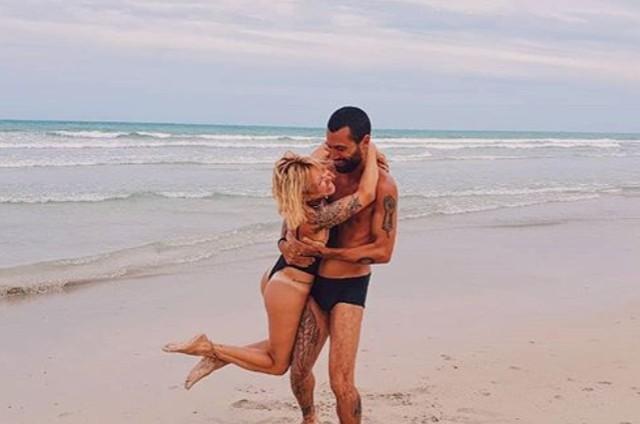 Lara Rodrigues e o noivo (Foto: Reprodução Instagram)
