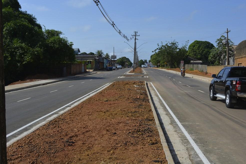 Obras inciaram em 2014, mas foram paralisadas por diversas vezes e retomadas em 2017 — Foto: Jeferson Carlos/G1