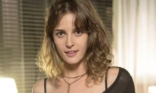 Na segunda-feira (7), Sofia (Prsicila Steinman) chega ao restaurante para jantar com Eliza, que não desconfia que a irmã está armando com Jacaré (Sérgio Malheiros) um plano para atentar contra sua vida | TV Globo