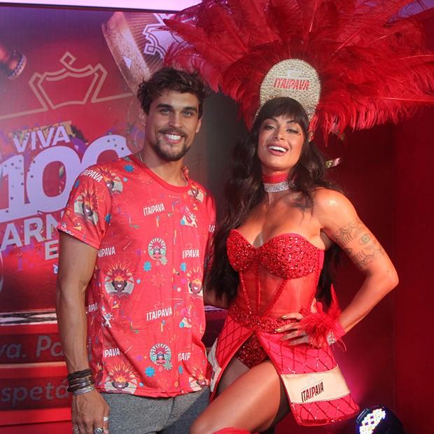 Aline Riscado e Felipe Roque (Foto: Marcello Sá Barretto/ AgNews)