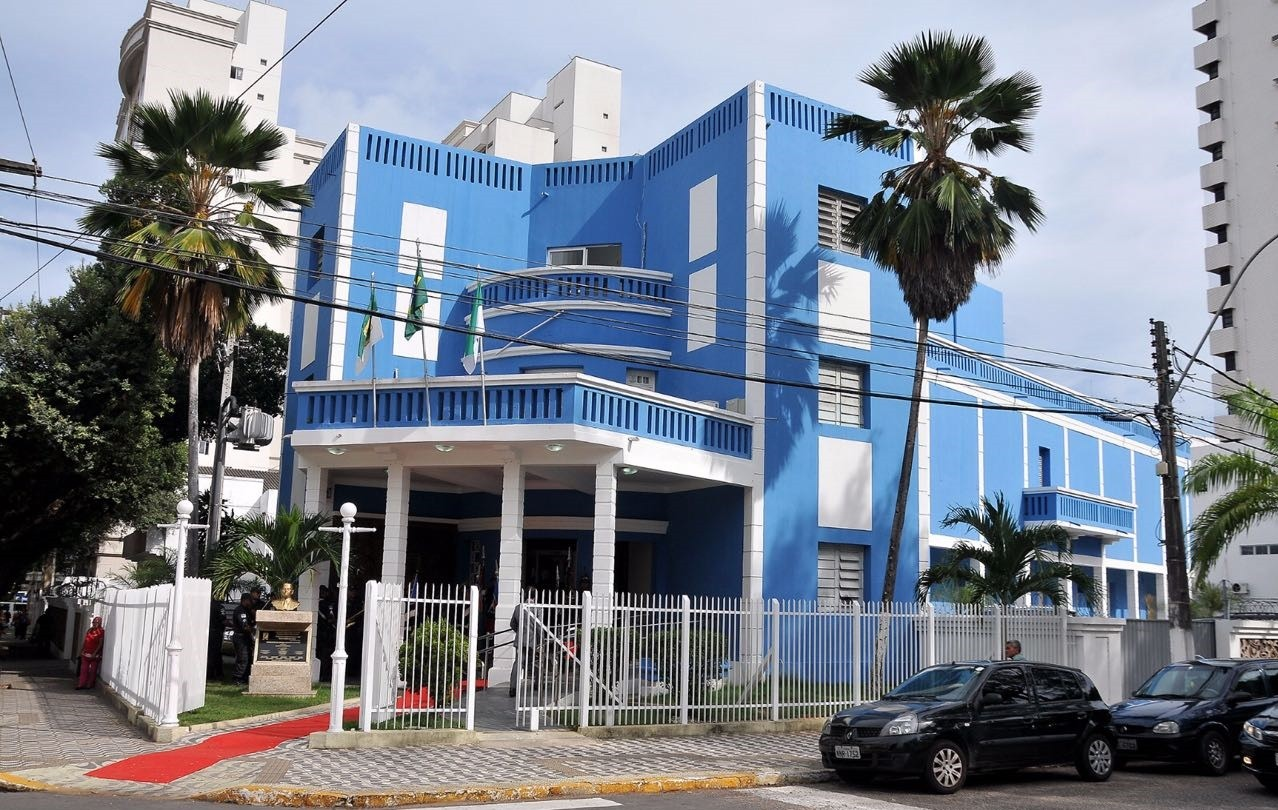 Após reestruturação, Câmara Municipal de Natal nomeia comissionados com salários mais altos