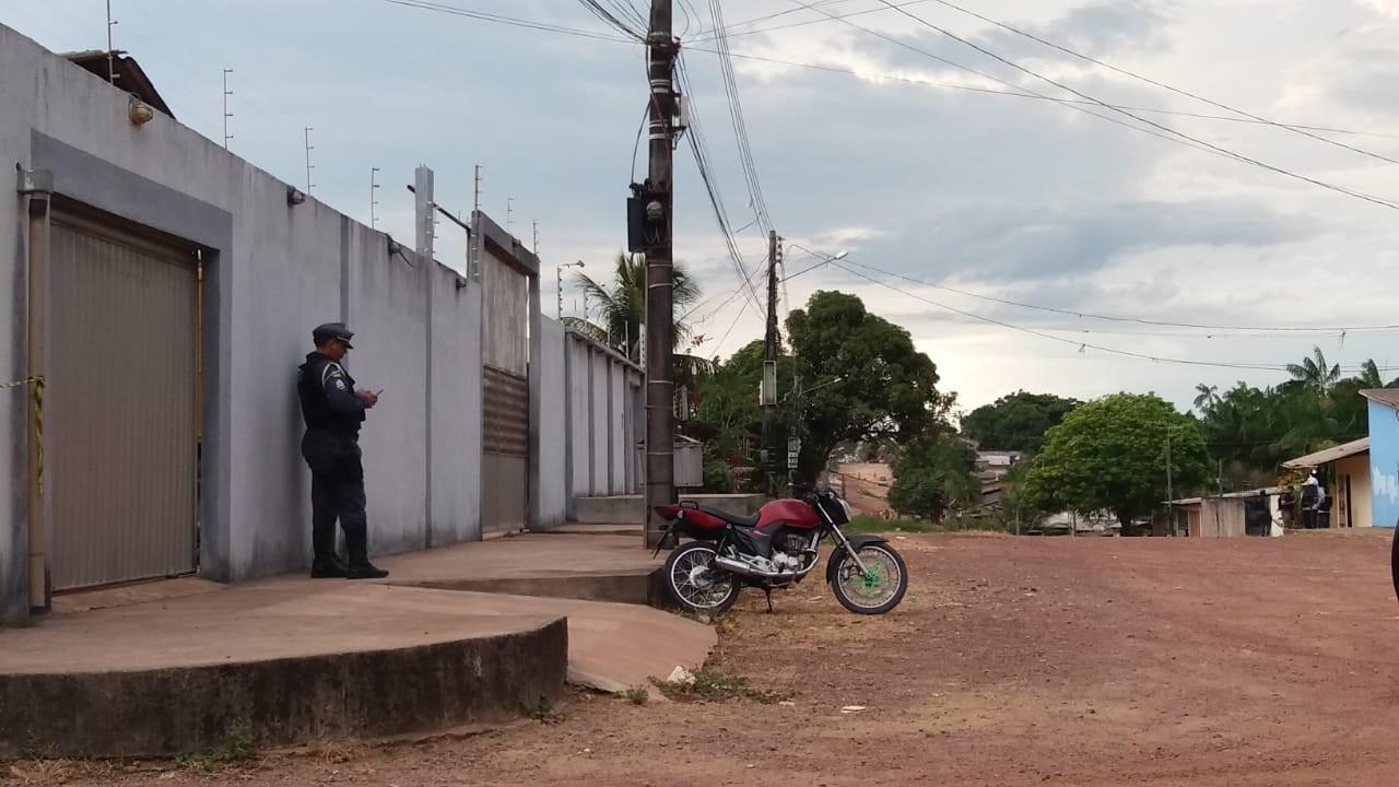 Após PM reconhecer moto roubada, homem faz cinco pessoas reféns em Macapá - Radio Evangelho Gospel