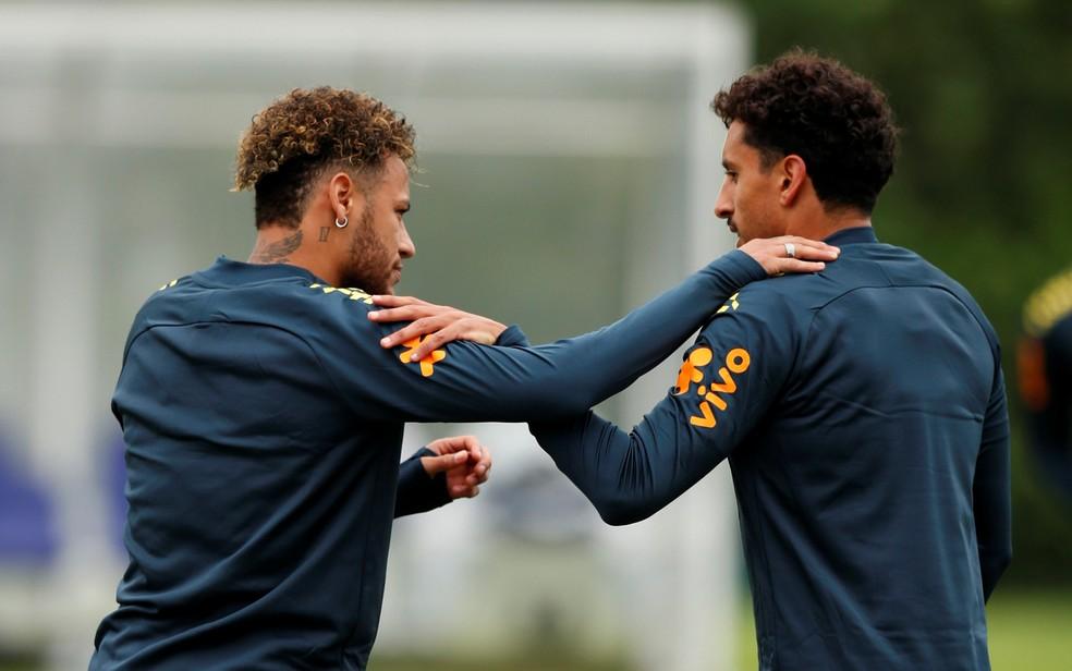 Neymar e Marquinhos, em treino da seleção brasileira — Foto: Peter Cziborra / Reuters