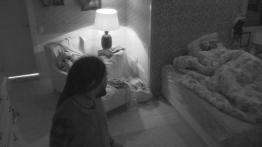 Viegas avisa a Caruso: 'Kaysar está determinado a não te deixar dormir'