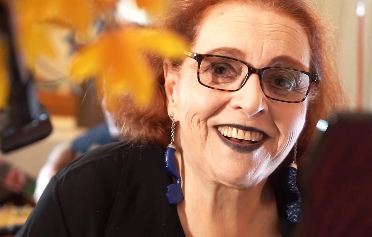 Cida Moreira mapeia 69 anos de vida  no tempo preciso de show com repertório inédito na voz da artista
