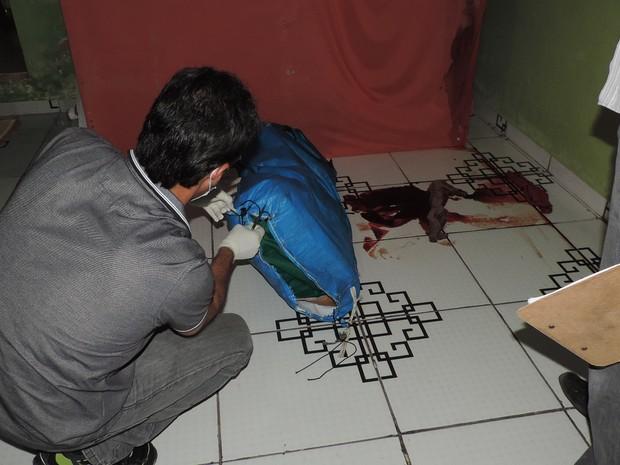 Após matar vítima, padeiro colocou corpo em saco de camping (Foto: Na Mira da Cidade/ Reprodução)