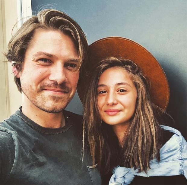 Taylor Hanson e a filha Penny (Foto: Reprodução/Instagram)