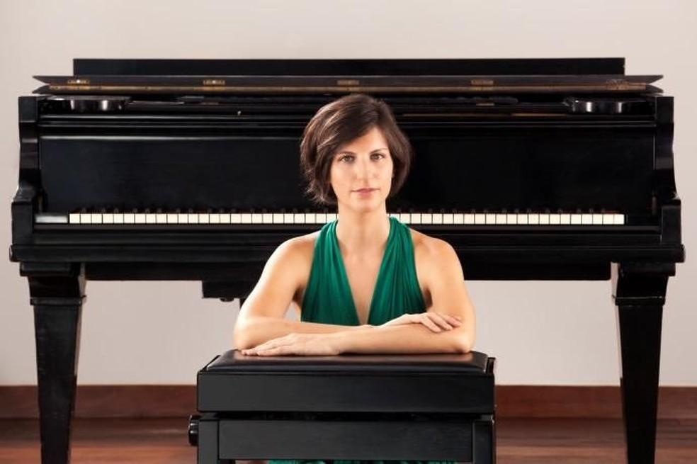 A pianista e compositora Júlia Tygel — Foto: Festival Francofonia/Divulgação