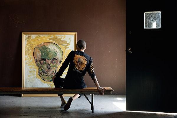 Blusa Vans da coleção Vans X Van Gogh Museum, inspirada em 'Caveira' (Foto: Vans/Divulgação)