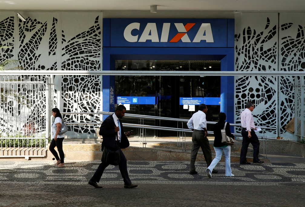 Agência da Caixa Econômica Federal no centro do Rio de Janeiro. (Foto: REUTERS/Pilar Olivares/File)