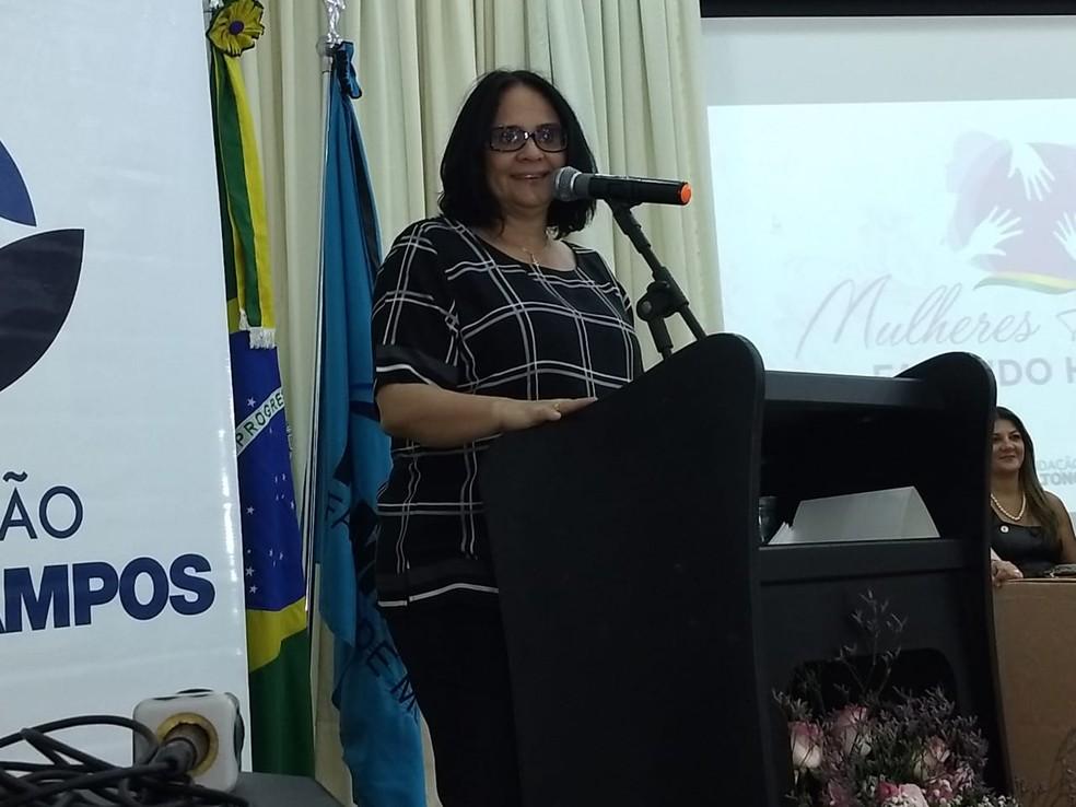 Ministra participou de seminário para debater realizado em Rio Branco  — Foto: Aline Nascimento/G1