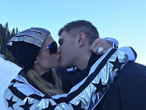 Paris Hilton e Chris Zylka (Foto: Instagram/Reprodução)