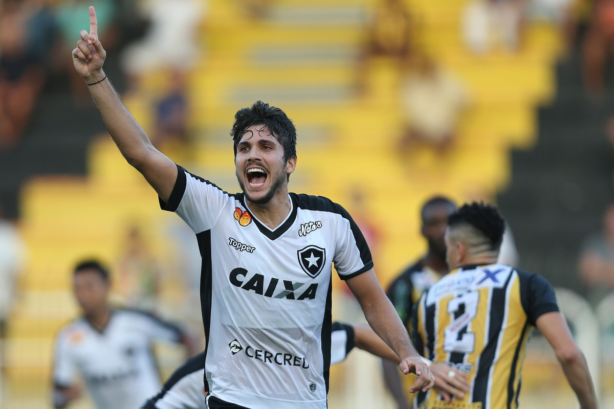 Atlético-MG aumenta proposta e fica mais perto de Igor Rabello  Botafogo  deve ficar com Gabriel  233a69cb98d4d