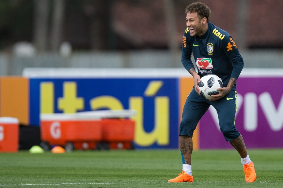 Lesão faz três meses e plano da Seleção prevê auge de Neymar nas oitavas