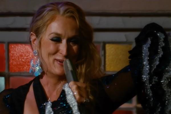 A atriz Meryl Streep em cena da continuação de Mamma Mia! (Foto: Reprodução)